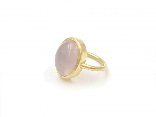 Geelgouden ring met roze kwarts - Nele Blanckaert
