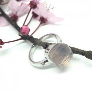 Witgouden ring met roze kwarts en diamant - Nele Blanckaert