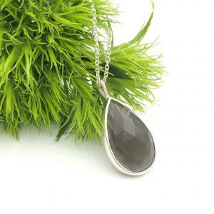 Zilveren hanger met maansteen_Nele Blanckaert