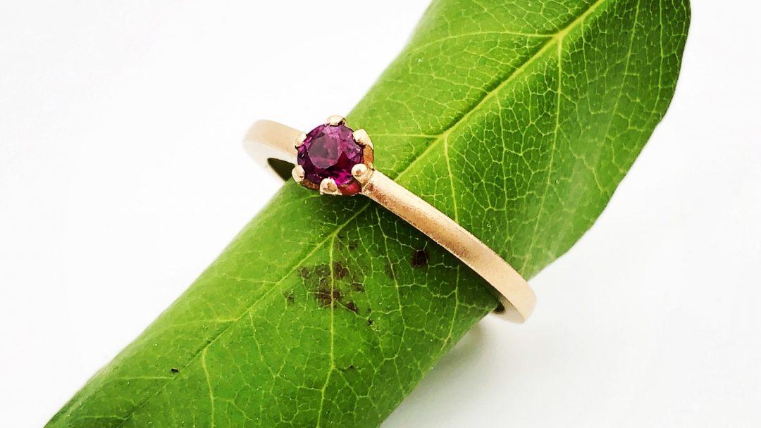 Rosé gouden robijn ring